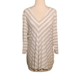 WHBM Silver and White V Neck Long Sleeve Tunic Med